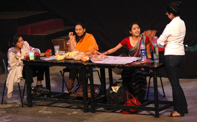 THE WAITING ROOMS Gujarati Play