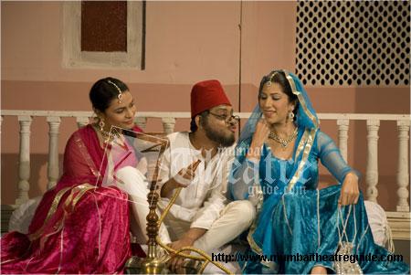 Bade Miyan Deewane Hindi Play/Drama - www MumbaiTheatreGuide com