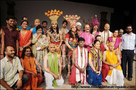 Priya Bawari play review , Marathi play review - www